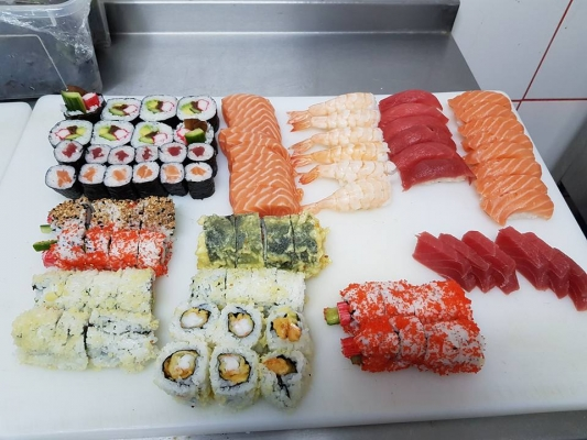 Sushi House Delivery4